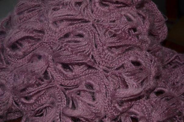 вязанный шарф на вилке фото