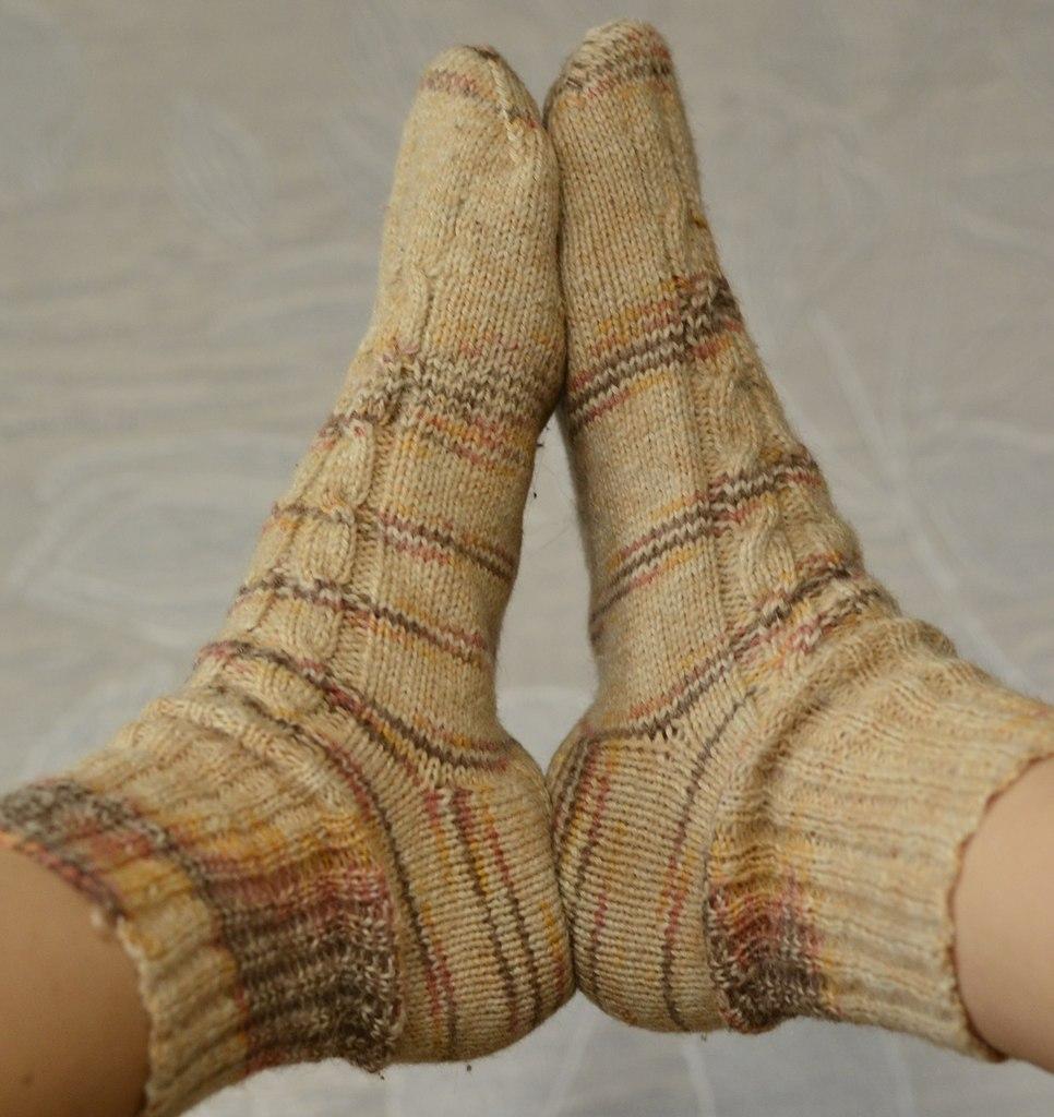 красивые вязаные носки спицами фото