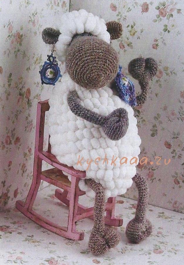 Вязанная овечка - символ 2014 г.